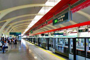 Hướng dẫn chi tiết cách đi MRT (tàu điện ngầm) ở Singapore